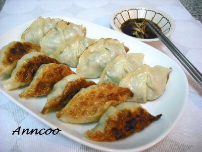 Guo Tie (Fried Dumpling) 锅贴