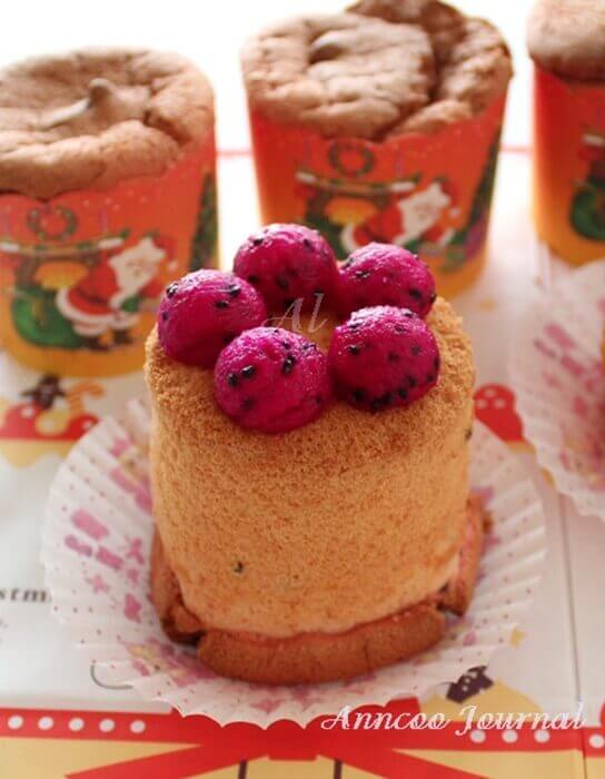 dragon fruit chiffon cupcakes