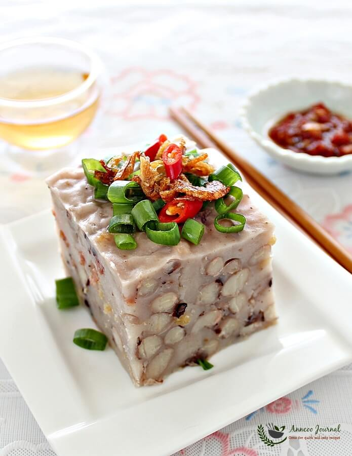 steamed white bean cake