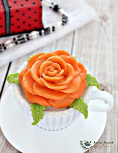 Moist Strawberry Cupcakes