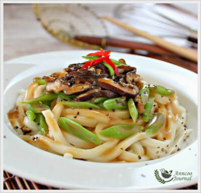 Udon, Mushroom and French Beans