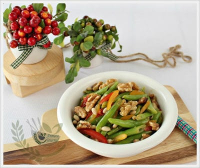 French Beans with Pine Nuts and Walnuts