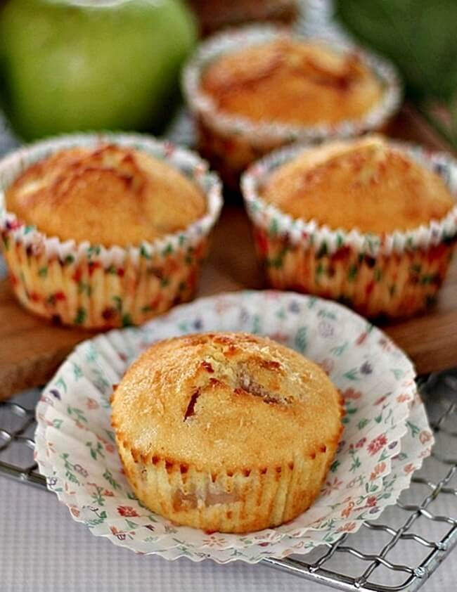 apple-cheese-cupcakes-090
