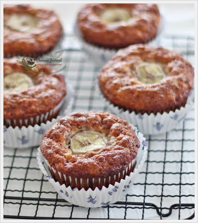 banana-and-rolled-oat-muffins-039