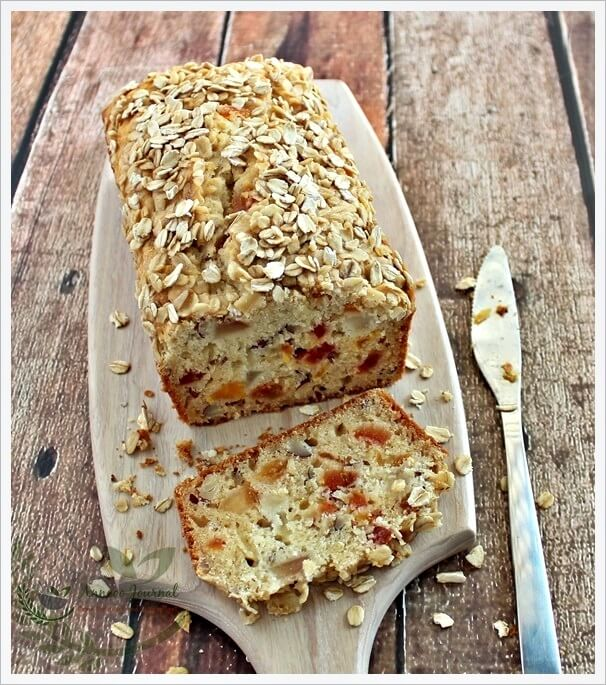 oat-and-pear-bread