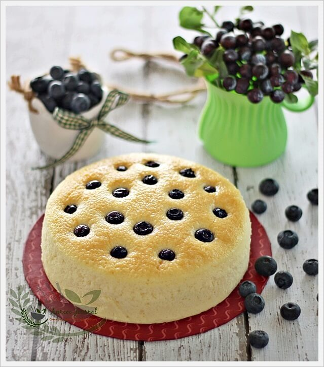 blueberry yoghurt cake 047