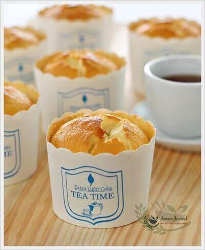 Blueberry Yoghurt Chiffon Cupcakes 蓝莓酸奶戚风蛋糕