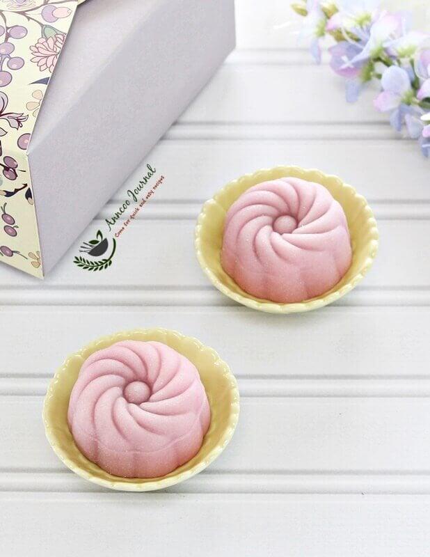 cranberry snowskin mooncakes