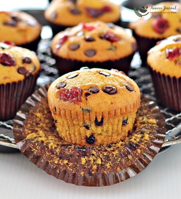 pumpkin-choc-chip-muffins-020