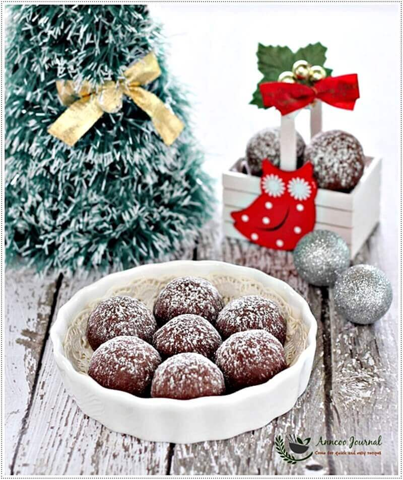 chocolate-snowball-cookies-017a