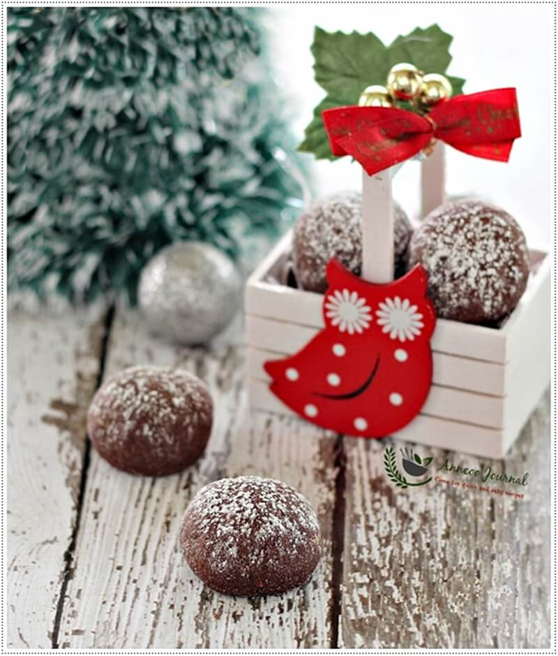 chocolate-snowball-cookies-032
