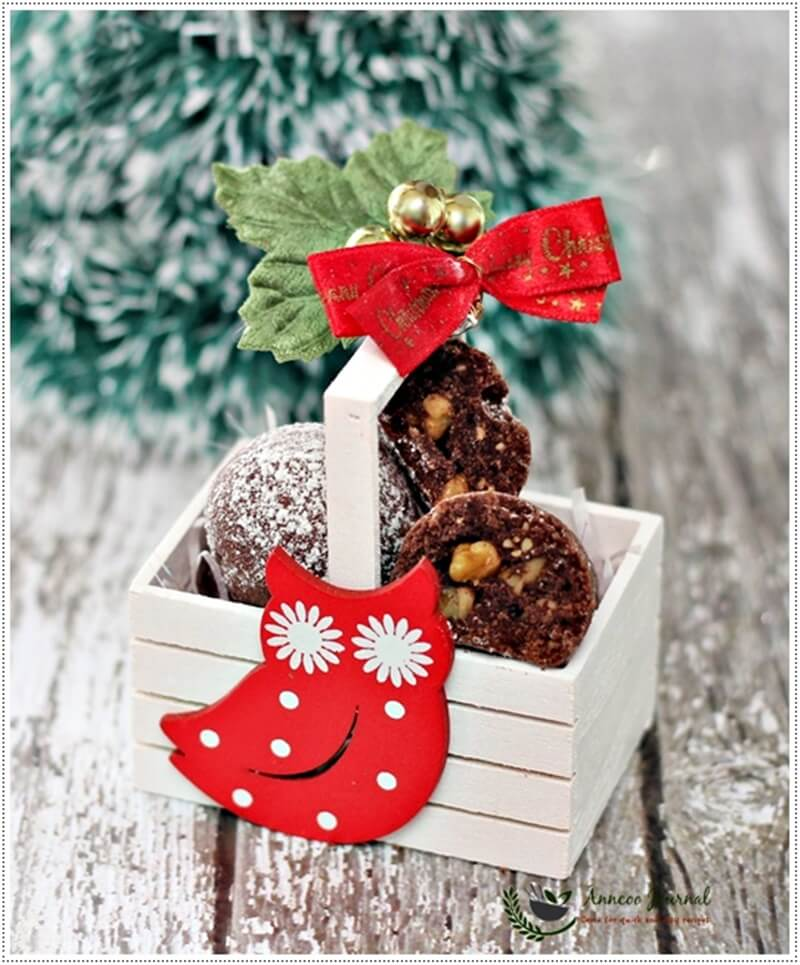 chocolate-snowball-cookies-045