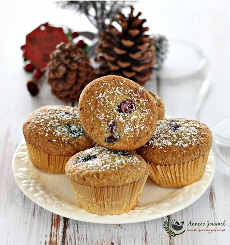 gluten-free-berry-cupcakes-051