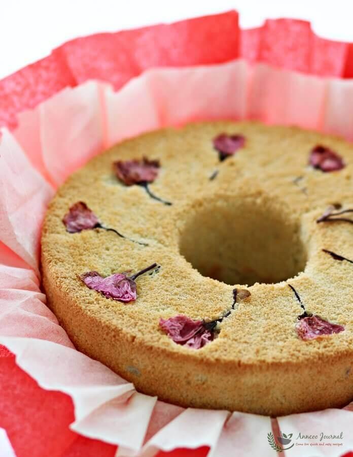 sakura yogurt chiffon cake