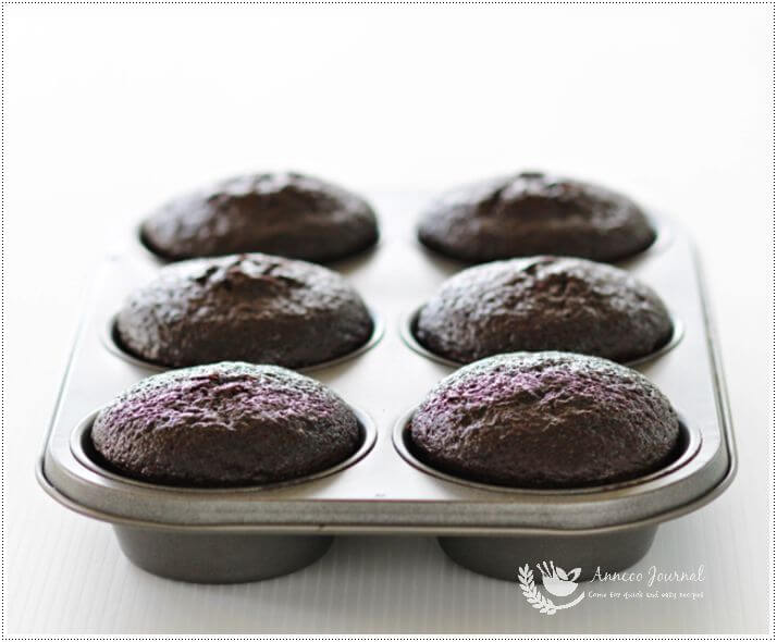 devil food cupcakes 1a