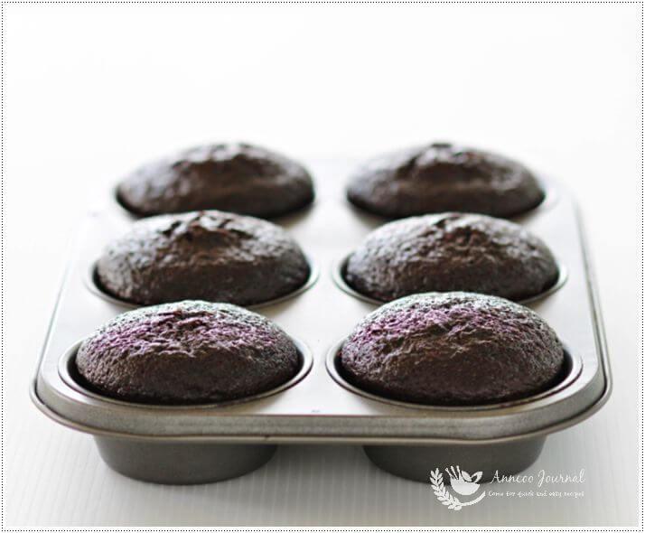 devil food cupcakes 1a