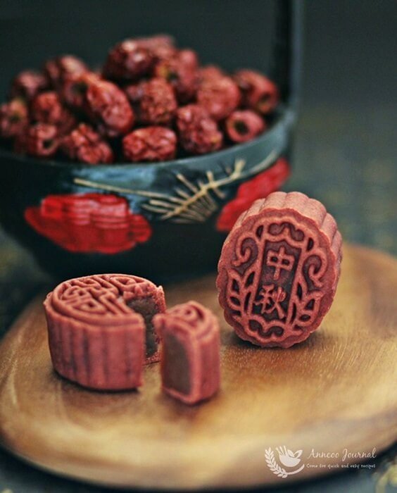 red yeast red date mooncakes 038a