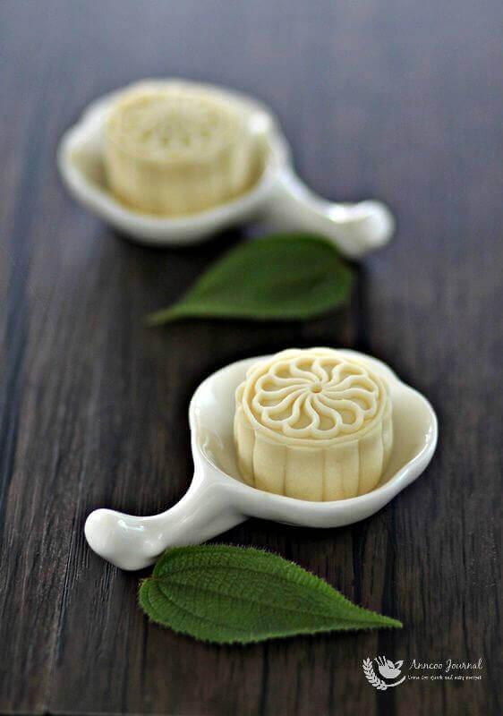durian snowskin mooncakes