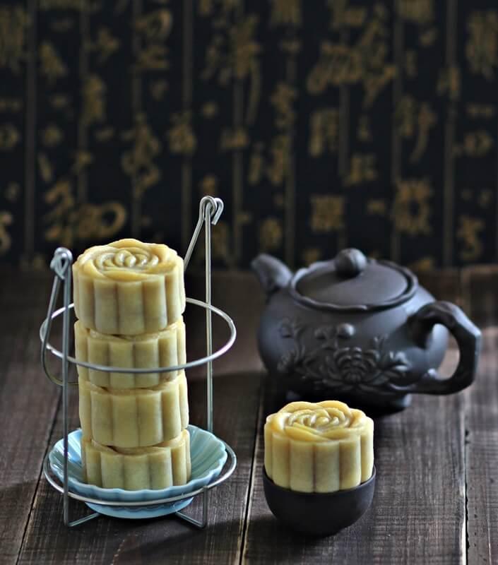 taiwanese-style-lotus-mooncakes-016