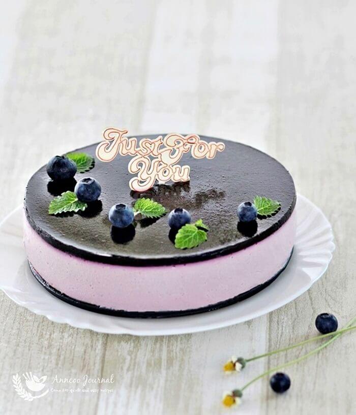 no-bake blueberry yogurt cheesecake