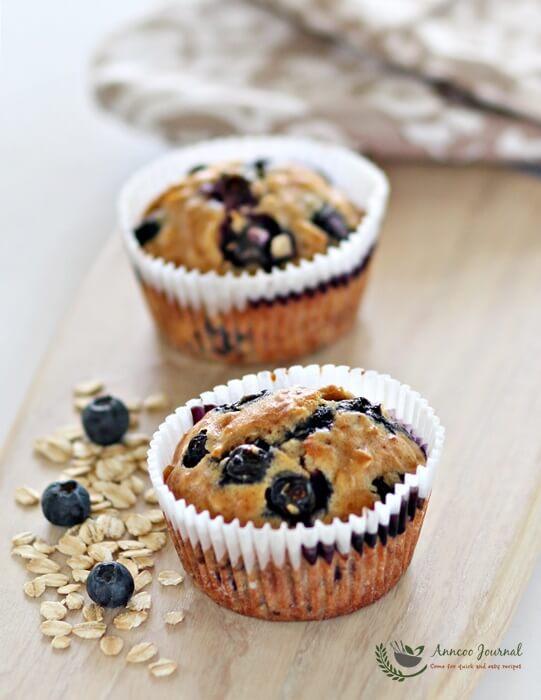 egg white blueberry oat muffins 025