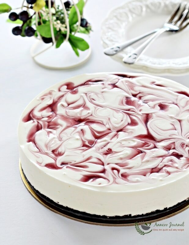 No-bake Cherry Yogurt cheesecake