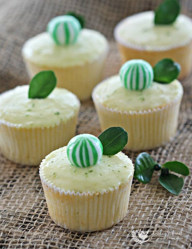 lime cupcakes 078