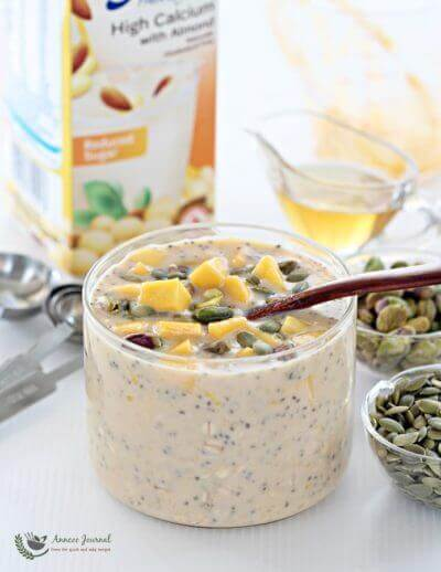 Mango Overnight Oats  芒果隔夜燕麦