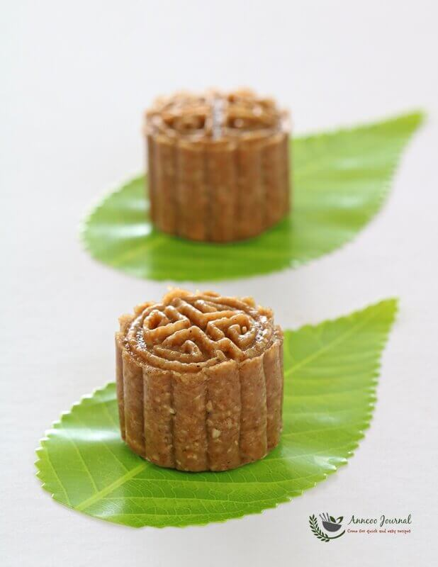 multigrain mooncakes 001