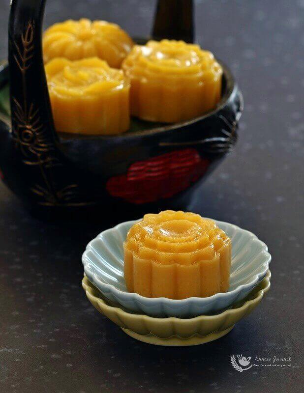 pumpkin-ang-ku-kueh-mooncakes-002