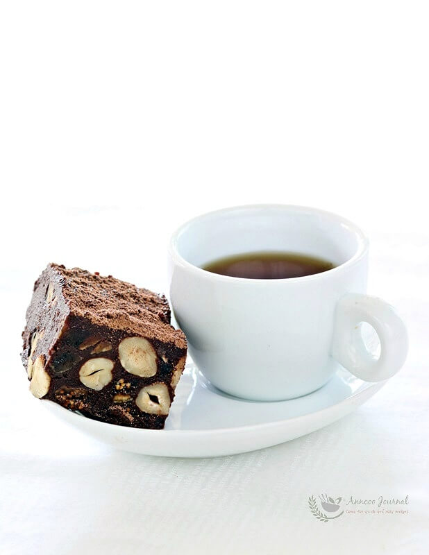 chocolate-hazelnut-and-fig-square-004