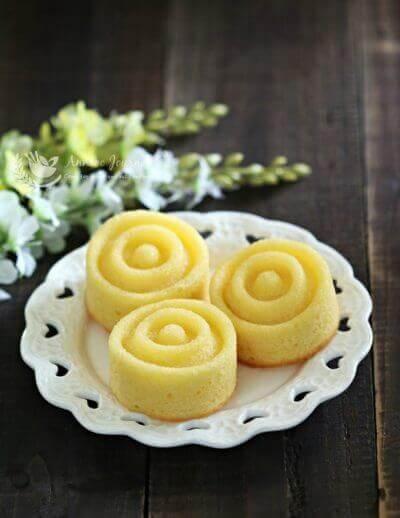 Lemon Drizzle Cakes 柠香蛋糕