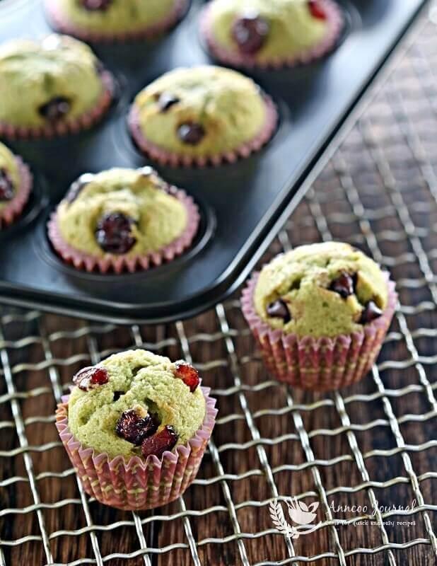 mini matcha cupcakes