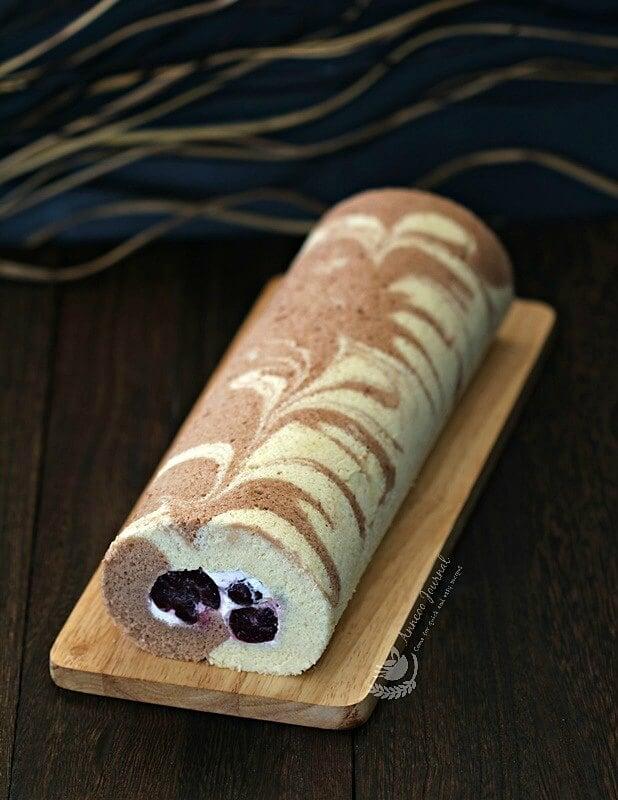 cherry swiss roll cake