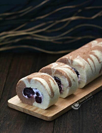 Cherry Swiss Roll Cake 樱桃蛋糕卷