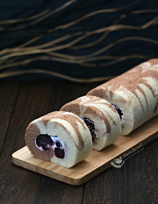 cherry swiss roll cake