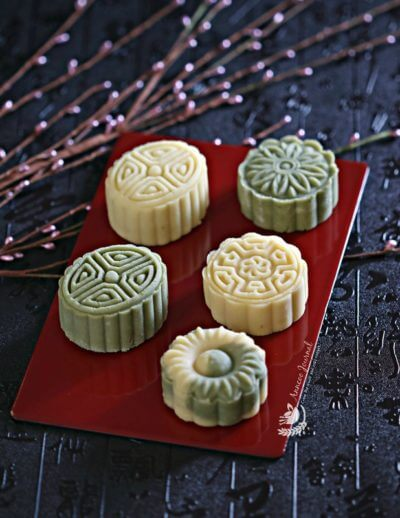Mung Bean Cakes & Mung Bean Mooncakes 冰心綠豆糕{冰心月餅}