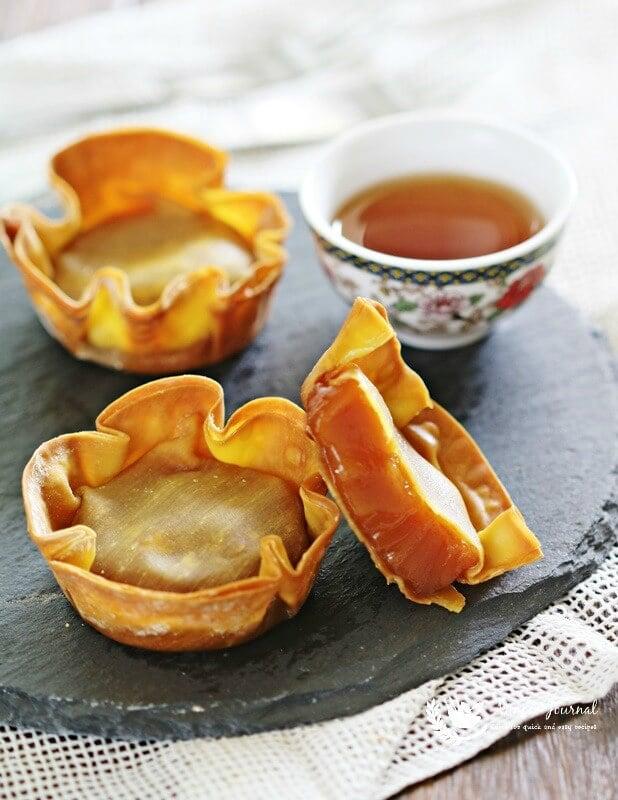 baked nian gao with wonton wrap