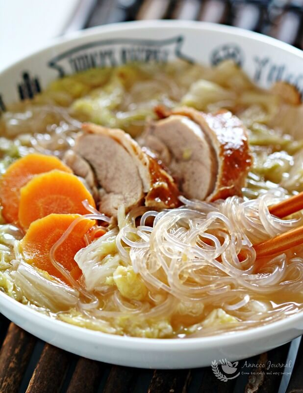 Chinese cabbage soup with glass noodles