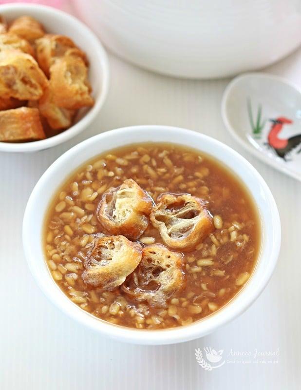 tau suan (split mung bean soup
