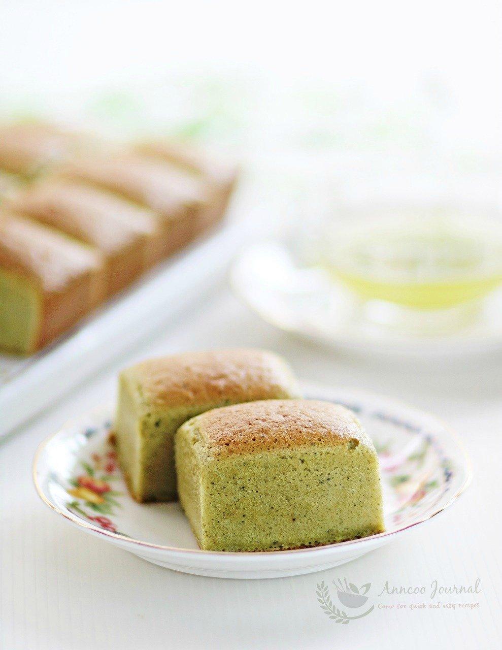 matcha sponge cakes